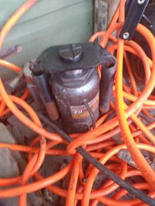 Air compressor and Pittsburgh 20 ton hydrolic jack (Celina)