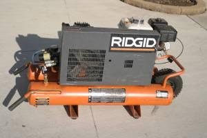 Ridgid wheel barrel air compressor (Armada)
