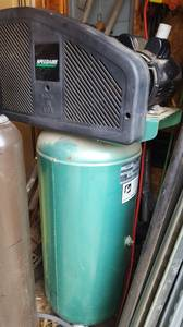SPEEDAIRE AIR COMPRESSOR UP RIGHT (Jeff lnd)