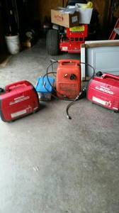(2) Honda Eu2000i Generators and External 6 Gallon Fuel Cell and Parallel to Con