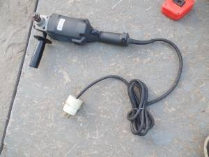HEAVY DUTY INDUSTRIAL ANGLE GRINDER black & decker (panorama City)