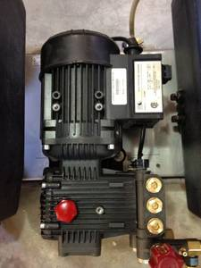 Whitco Raider Hot Water Pressure Washer 4 gpm @ 3000 psi $3250