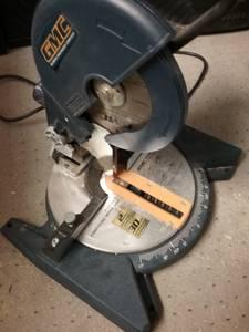 compound miter saw/ 7 and a half blade (fargo)