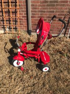 Radio Flyer 4-in-1 Grow With Me Tricycle (Lakeside)