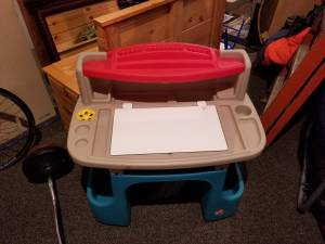 Kids step 2 drawing table/easle (West bend)