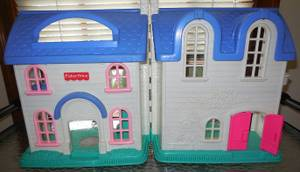 Fisher Price Doll house (Norwood)