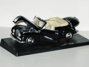 1955 BMW 502 1:18 Die Cast Cars by Maisto Special Edition Black (Kendale Lakes