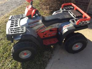 Peg Perego Polaris 850 24volt ride on complete very clean (Frankfort)