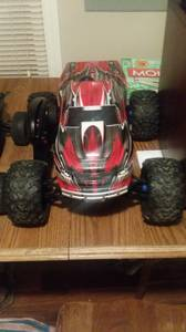 Tmaxx 3.3 like new (Indianapolis)