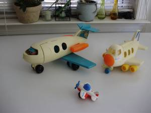 Vintage Fisher Price , Li'l Playmates planes, lots of old toys (Durham/North of