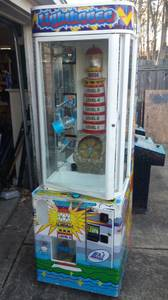 LAI ARCADE LIGHT HOUSE PRIZE MACHINE. (Bartlett)