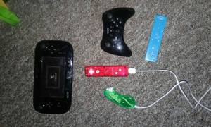 Wiiu system with games (Columbus)