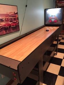 Shuffleboard bowling game for man cave rec room (S. of Rockford)