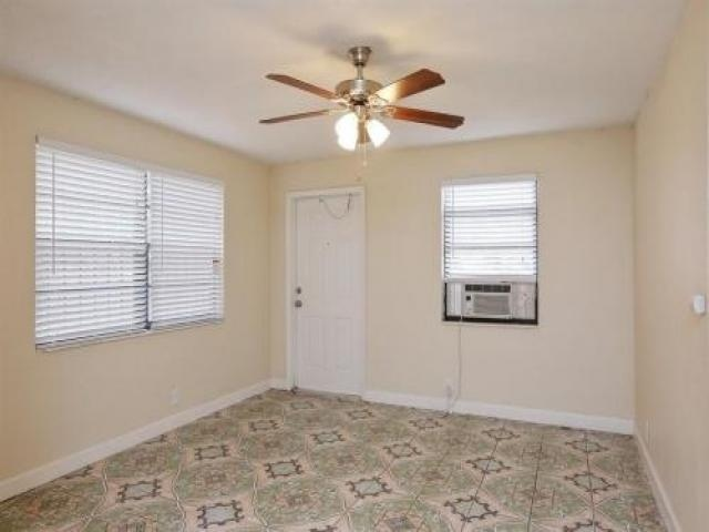 Room For Rent In Miami Gardens, Fl