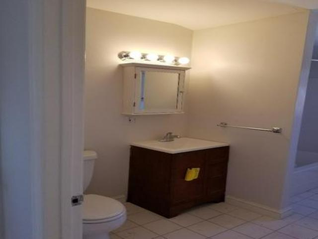 Room For Rent In Newton, Ma