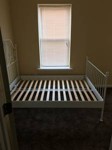 ROOMS FOR RENT (47th & paschall) $500 12ft 2