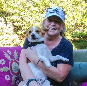 $1200.00 Nice couple and three small awesome dogs (South Snohomish Cty)