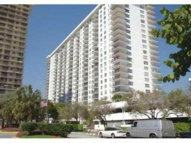 Room For Rent In Sunny Isles Beach, Fl