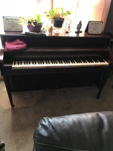 Piano (White Settlement)
