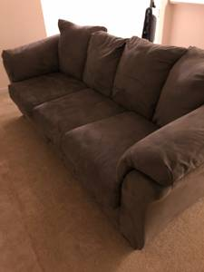 Free Ashley Furniture (Tigard)