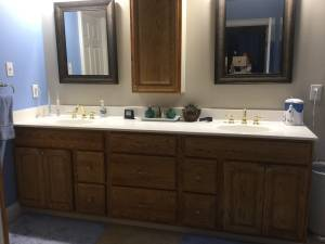 Double Vanity top with molded sinks (Marietta)