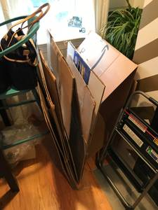 10 moving boxes (Capitol hill)