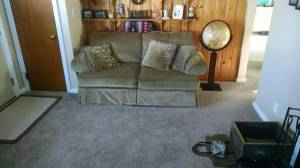Free couches... Need to go asap (Meriden)