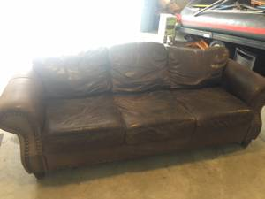 Free Leather Couch (Cle Elum)