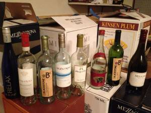 FREE wine bottles, liquor bottles sake bottles only screwtops (cordova)