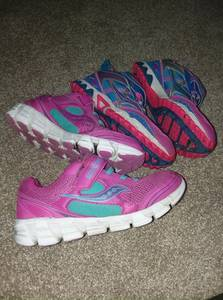 saucony size 4.5w girls shoes (Maple Shade)