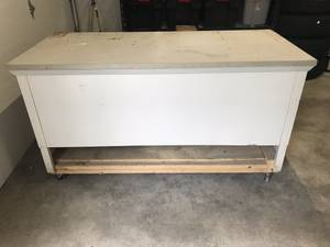 Free Large Metal Desk Shop Table (Renton issaquah)