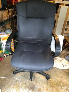 Office chair with broken leg (South Hill Puyallup)