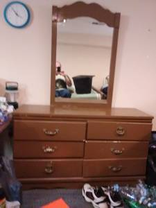 Dresser 6 drawers and mirror (Columbus)