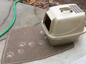 Cat litter box and mat free (Reno)