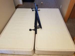 Free king box spring (Omaha)