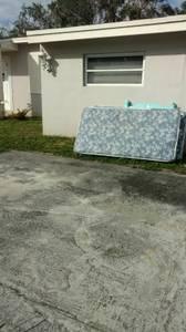 2 mattresses outside (miami)