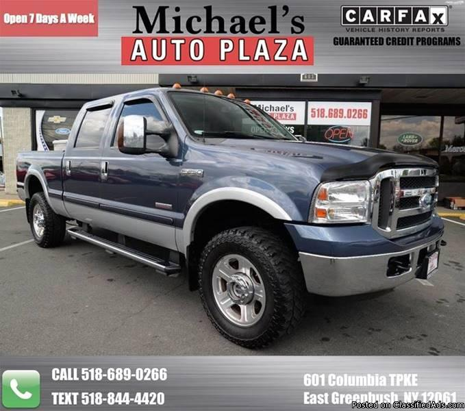 DIESEL ! 2007 Ford F250 Crew Cab Lariat FX4 with a Clean Carfax WE FINANCE!...