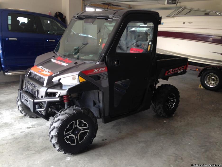 2014 Ranger 900, loaded, 360 miles, full cab, doors, sliding rear window,...