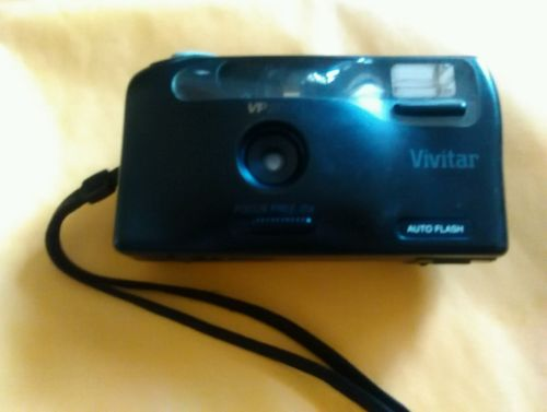 Vivitar VP2000 focus free Auto Flash 35mm Camera