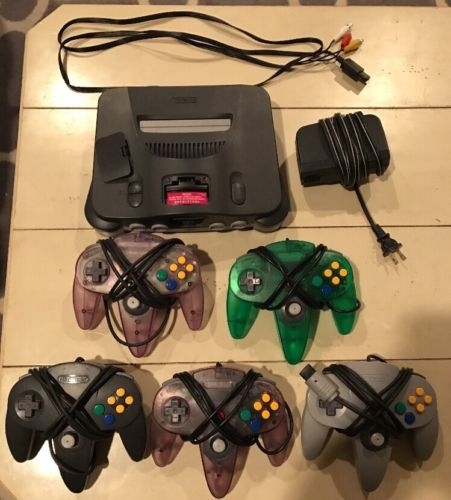 Nintendo N64 Bundle, Console, 5 Controllers