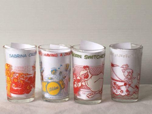 4 VINTAGE CARTOON JELLY GLASSES ARCHIE, FLINTSTONES, Foghorn