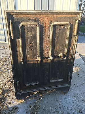 Vintage Antique Detroit Safe Co Floor Safe, 2 doors w/Interior Door, Used