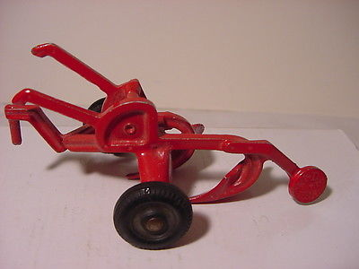 Vintage Toy Plow  Tractor Farm Tool Diecast AGCO  Oliver  White Plow # 982
