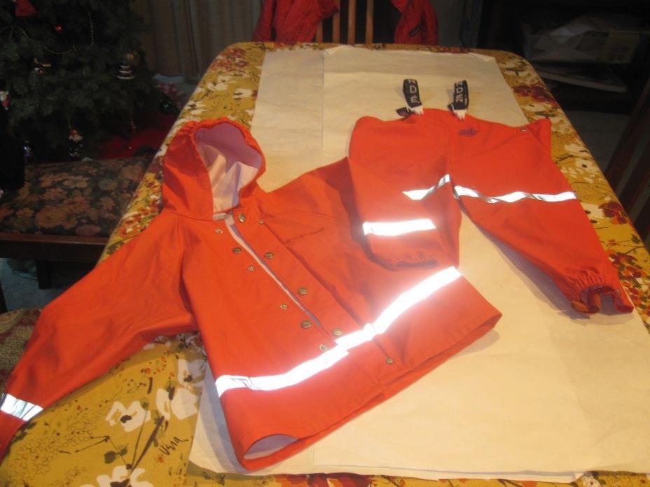 Grundens Kid's Rain Gear Set Sz. 4. Bright Orange. Bibs/Jacket
