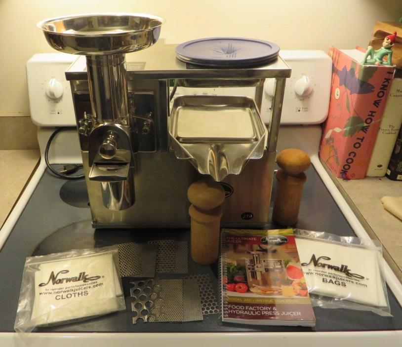 Norwalk 270 Juicer w/Bags,Cloths,Grids,Pushers, Book - Gerson Therapy