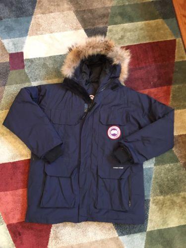 Canada Goose Navy Blue Jacket / Men's Medium Authentic Fur Lined Hood Coat
