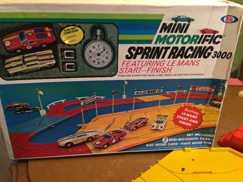 Ideal Mini Motorific Sprint Racing 3000 With Working Sting Ray
