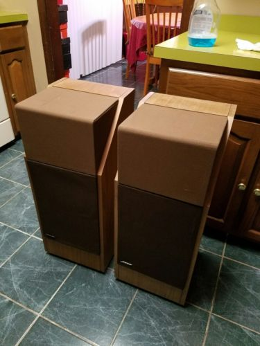 Vintage Pair of Bose 601 Series III Stereo Speakers - good Condition