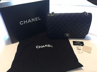 Chanel Classic Bag With Flap (Black)