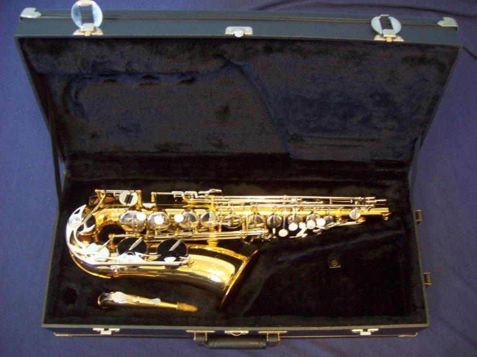 GORGEOUS! VITO JAPAN (MADE BY YAMAHA-YAS-23) ALTO SAXOPHONE + CASE - VERY NICE!